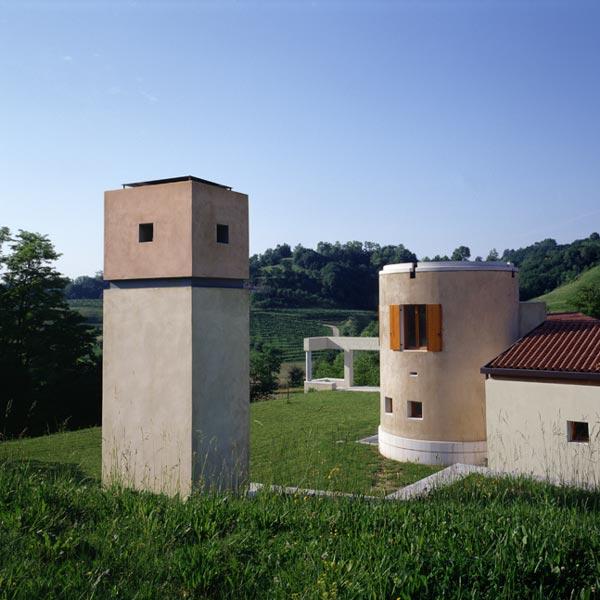 Architettiriccival_House on a plateau