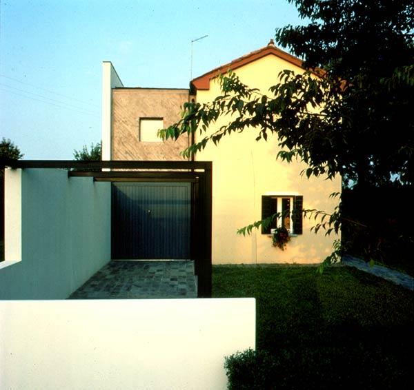 Colonic house regeneration architetti ricci val for Piani casa colonica di campagna